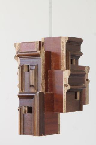 Matthias Stuchtey, Trabant 4, 2012, Holz, Aluvierkantrohr, 42 x 37 x 32,5 cm